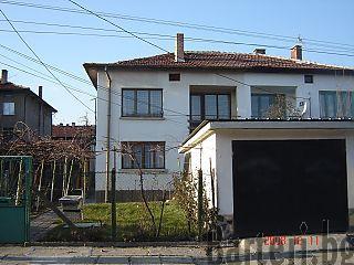 Къща в Божурище 1