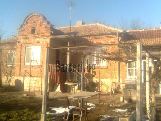 Заменям къща в село Червенци 1