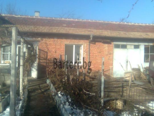 Заменям къща в село Червенци 2