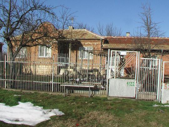 Заменям къща в село Червенци 3