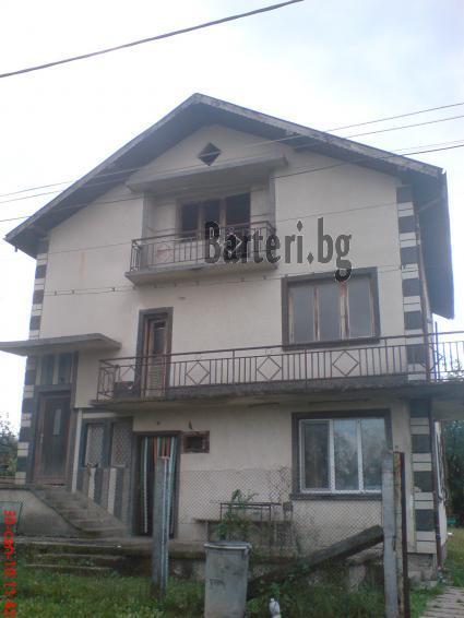 Къща в Ботевград за коли или джип 1