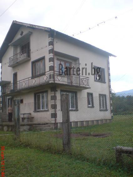 Къща в Ботевград за коли или джип 2