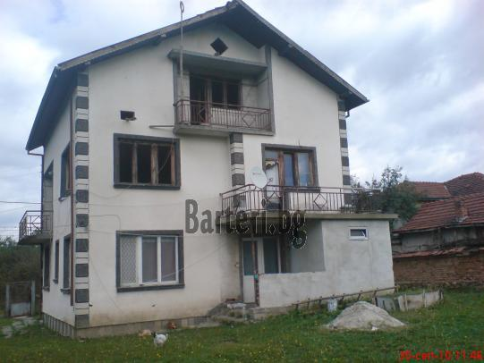 Къща в Ботевград за коли или джип 4