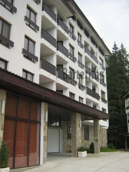 Заменям 2 апартамента ( на море и планина) за апартамент в София 4