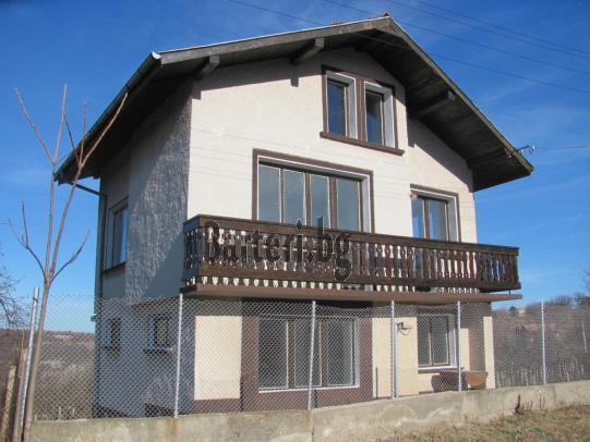 Нова къща в село Нисово срещу гарсониера, офис 2