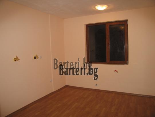 Заменям нов двустаен апартамент в Пловдив - център 2