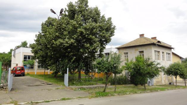 Промишлено помещение и къща с механа 1