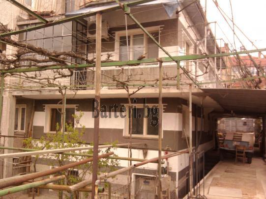 Двуетажна къща във Варна 1
