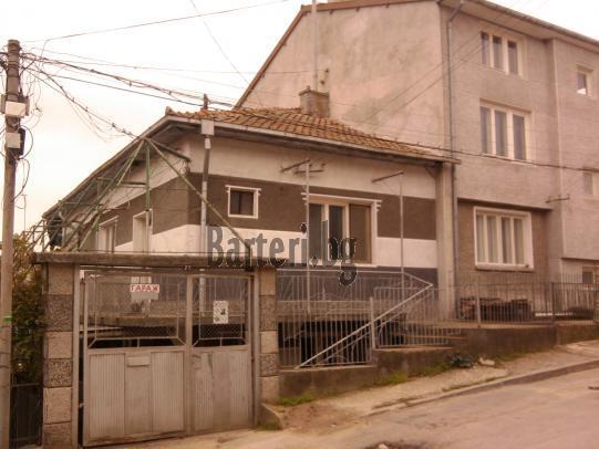 Двуетажна къща във Варна 2