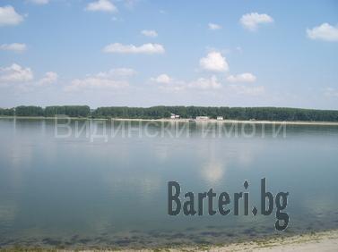 Уникален имот на брега на р. Дунав с лице-66 м. 1