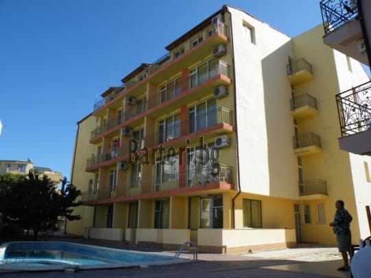 В идеален център на Сл.бряг,заменям апартамент за жилище в Пловдив 1