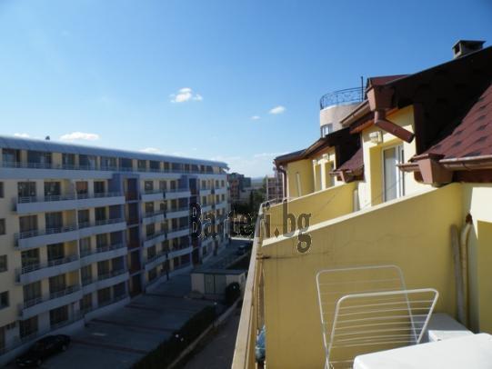 В идеален център на Сл.бряг,заменям апартамент за жилище в Пловдив 4