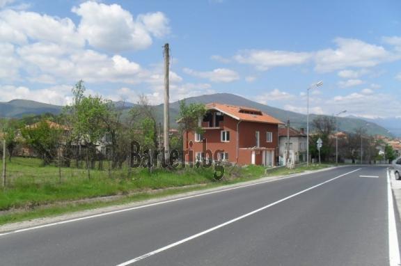 Kashta+restorant  do granitzata na Gartzia  1