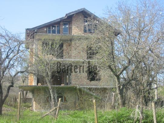 къща до Варна 1