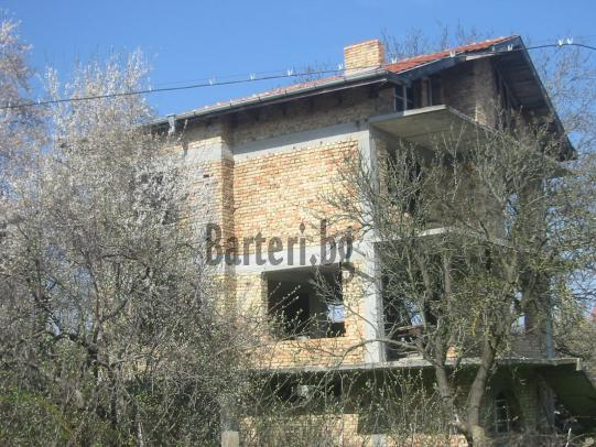 къща до Варна 2