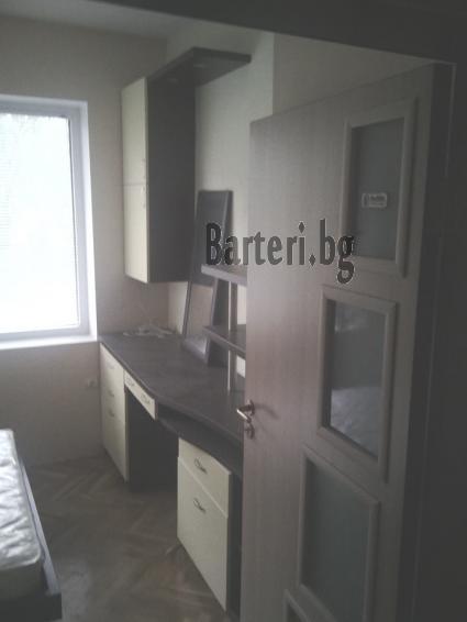 Бартер тристаен апартамент в Добрич за тристаен във Варна 2